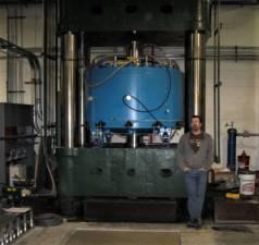 600 Ton Hot Press
